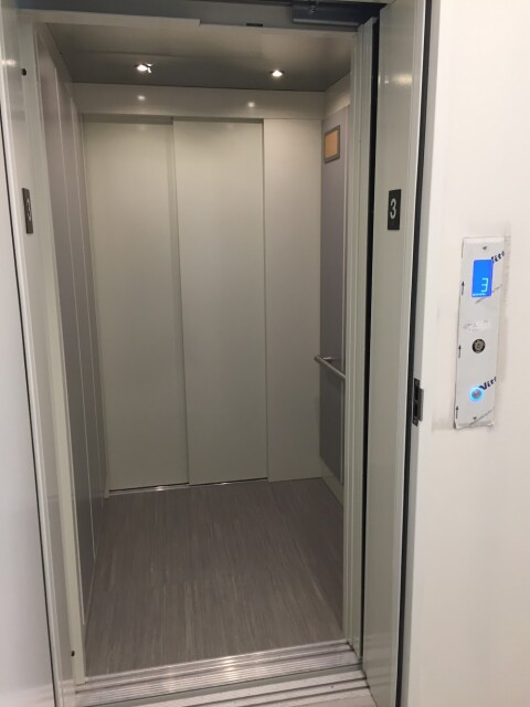LULA Commercial Elevator - White Interior Doors
