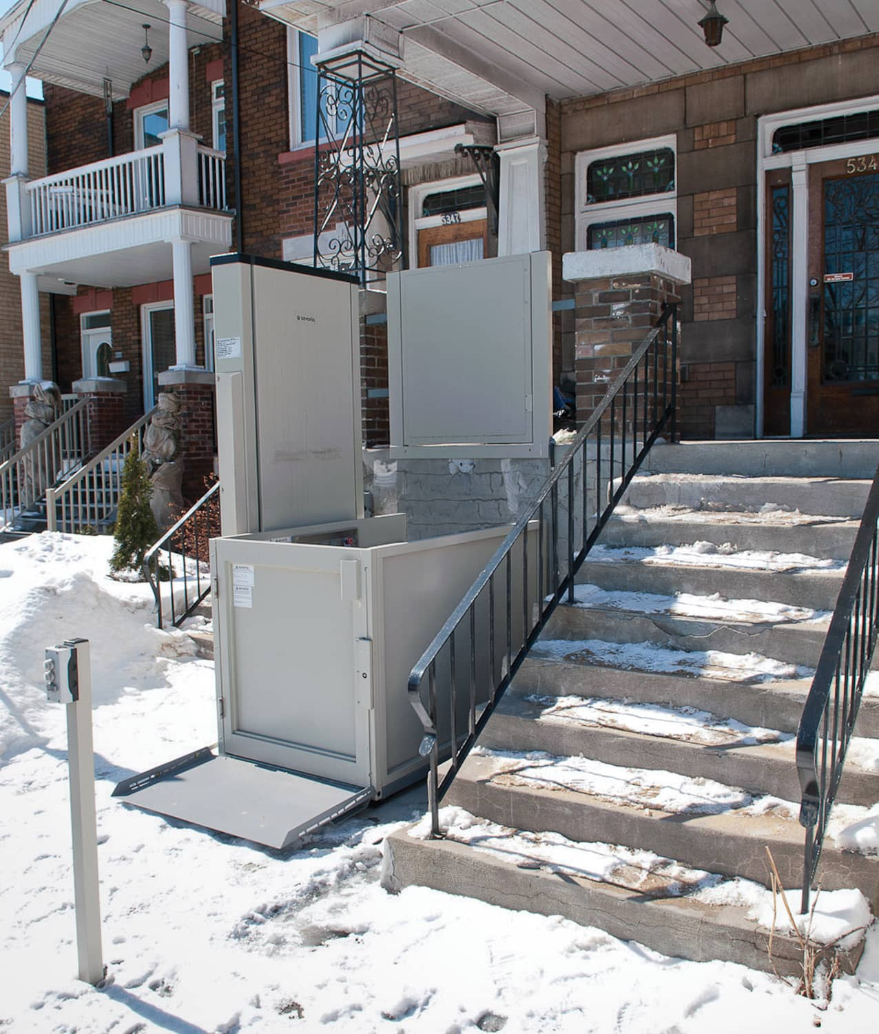 Outdoor Savaria Wheelchair Lift