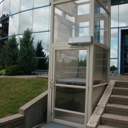 Savaria V1504 Outdoor Glass Enclosed Lift